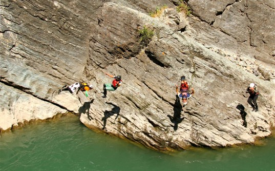 cliffjumpers-537x333