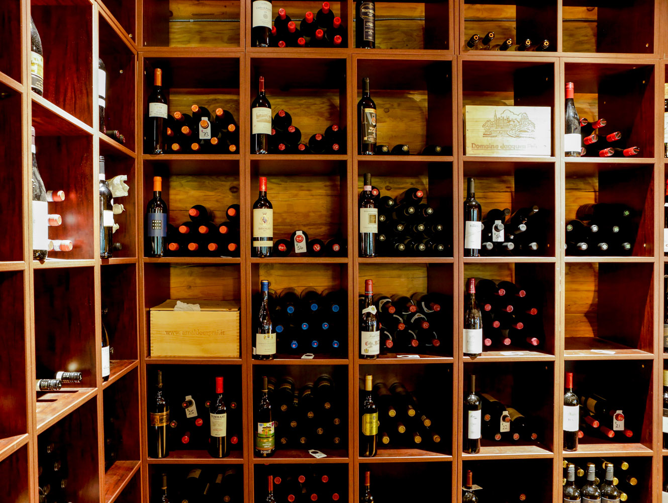 Island Lake Lodge Wine tastings